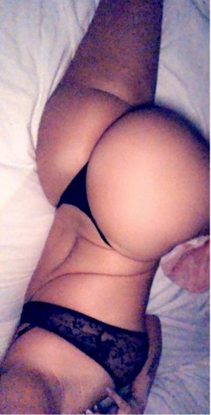 Priscile adult dating in Kearns