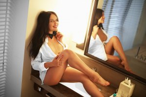 Nessma adult dating in Mauldin South Carolina